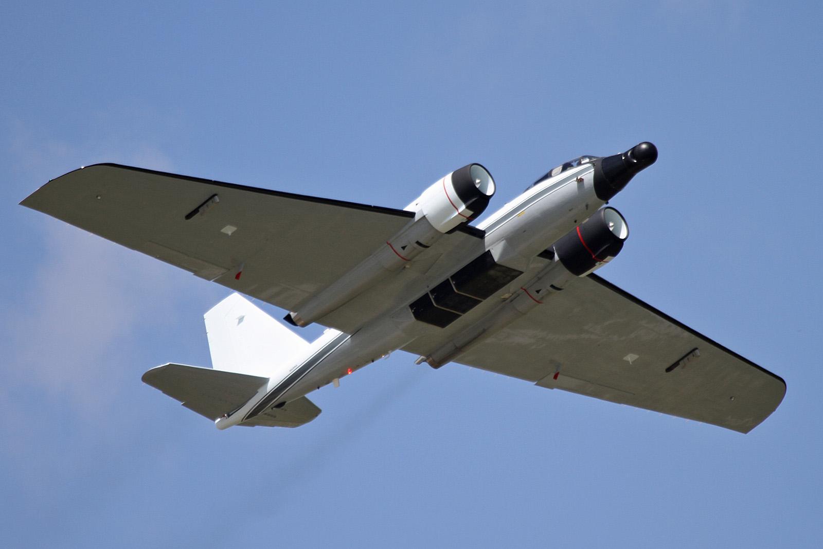 NASA has repainted their WB-57 - AR15.COM